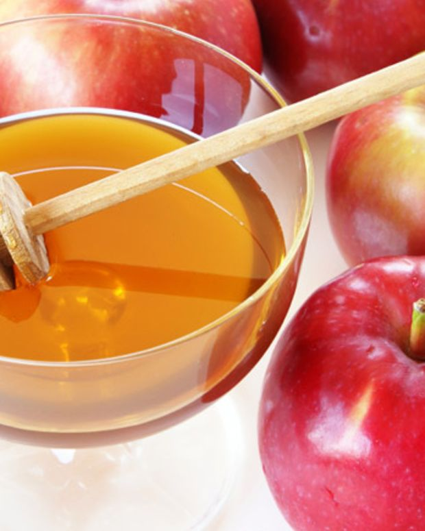 Honey and Rosh Hashanah – How Sweet It Is!