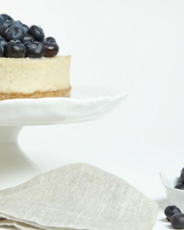 No-Bake Lemon and Blueberry Cashew Cheesecake