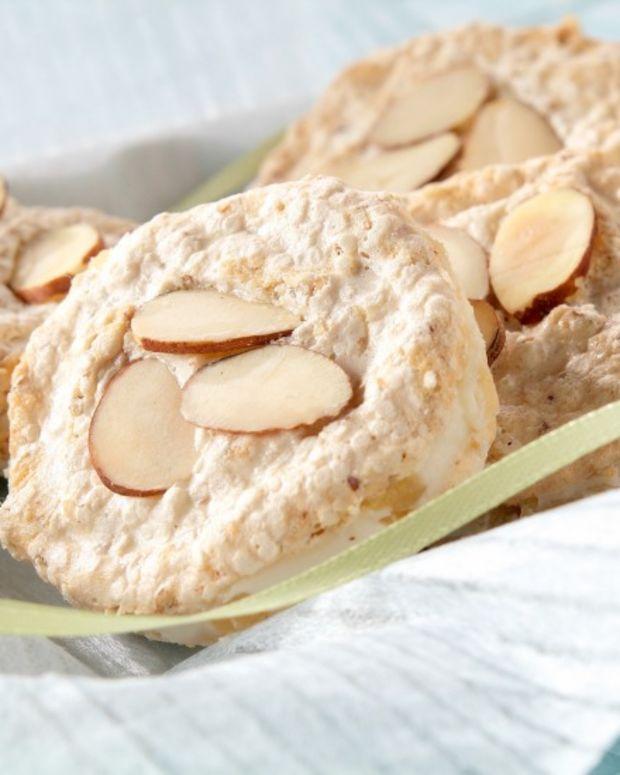 almond cookies meringue