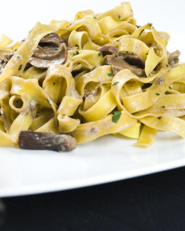 fettuccini-alfredo-vegan