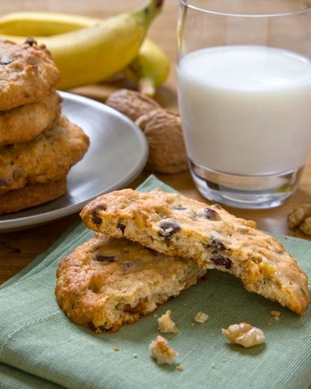Walnut Banana Cookies
