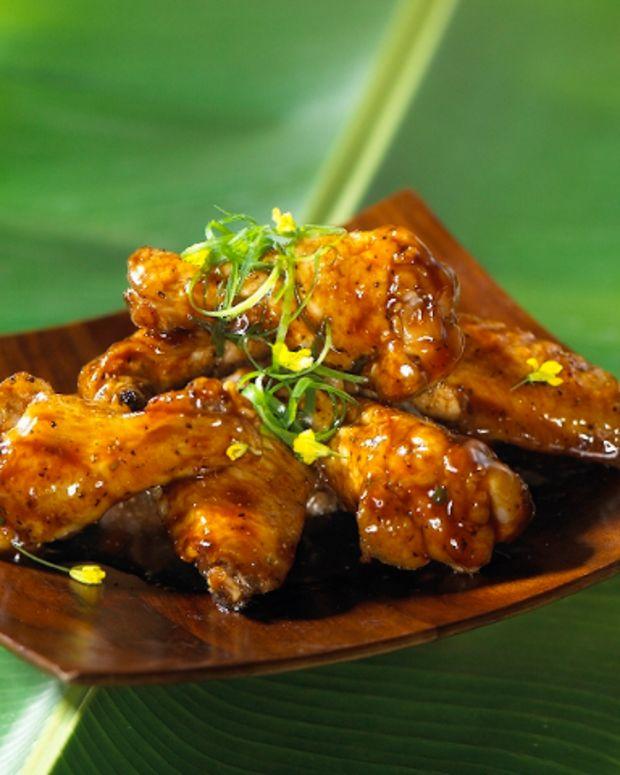 California Raisin and Tamarind Glazed Chicken Wings