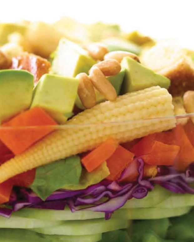 colorful-garden-salad-with-creamy-pesto-dressing-94