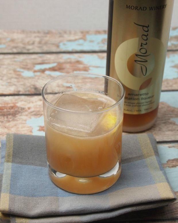 amaretto lmeon cocktail
