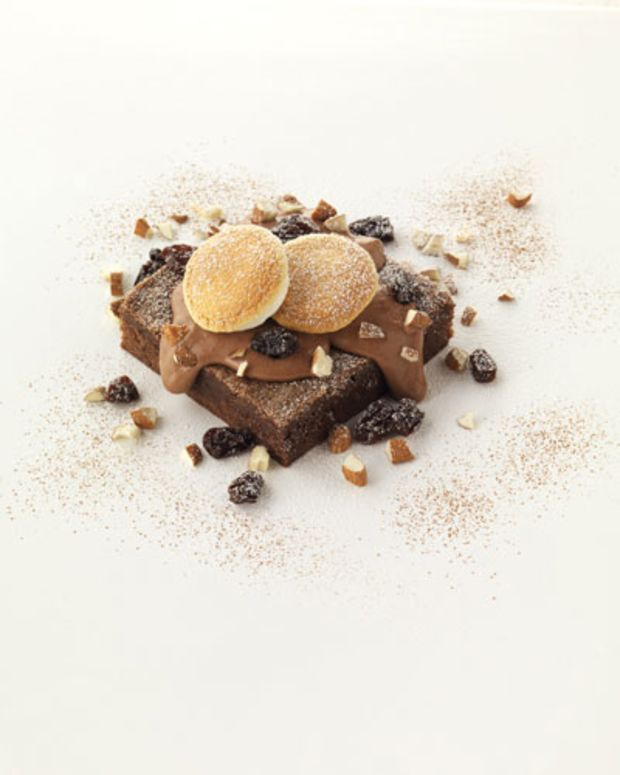 Rich Chocolate Brownies with Raisin-Chocolate Sauce