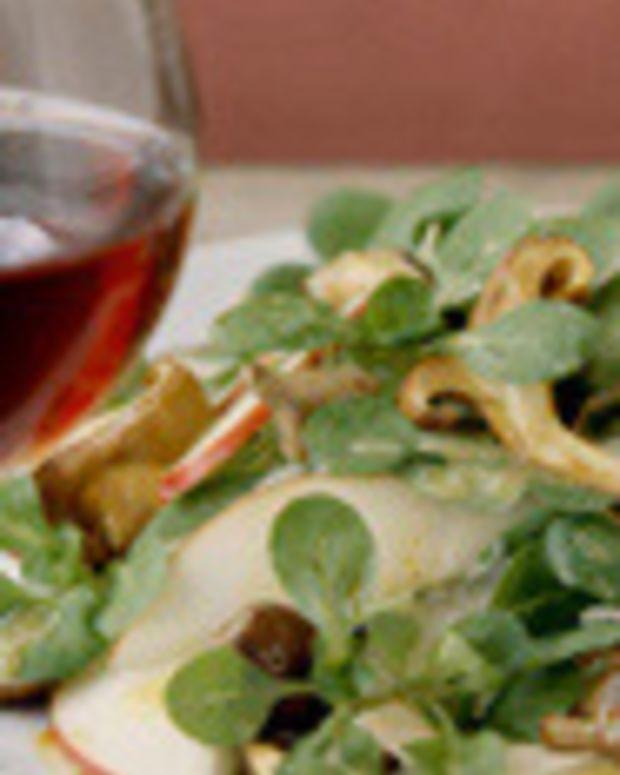 Mâche, Pear, Parmesan & Wild Mushroom Salad