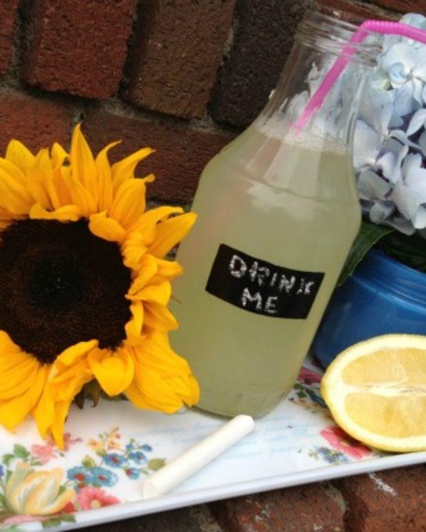 chalk board bottles with lemonade