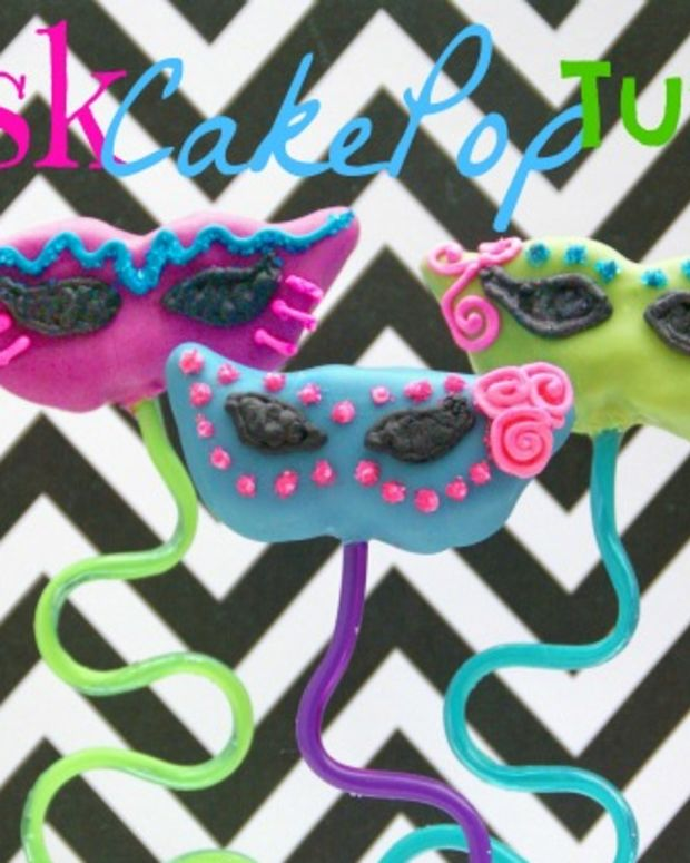 Mask Cookie Tutorial with CaekaBite