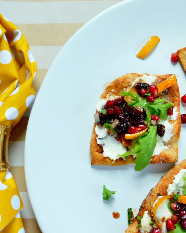 Pomegranate Salsa Flatbread with Ricotta