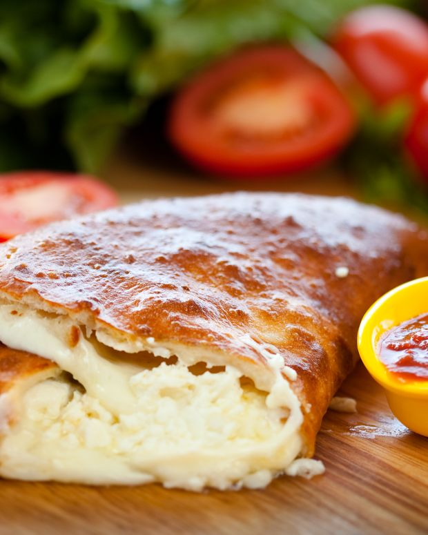 3 cheese calzones