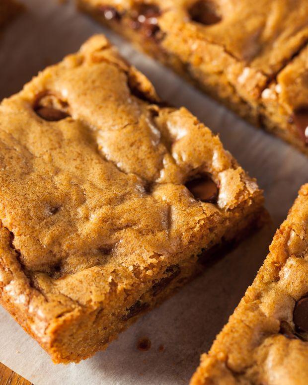 bigstock-Homemade-Chocolate-Chip-Blondi-122659469