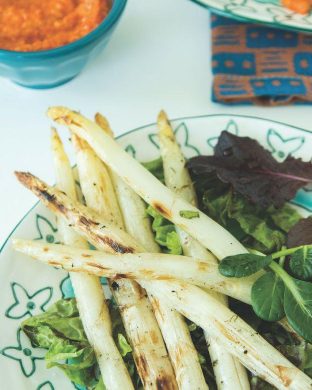 Romesco Asparagus Salad