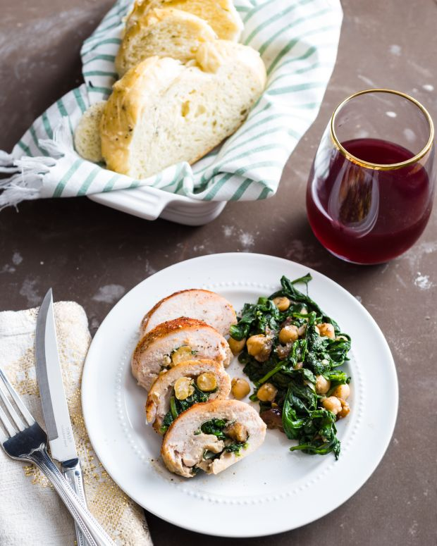 Spinach, Chickpea and Date Chicken Roll­Ups