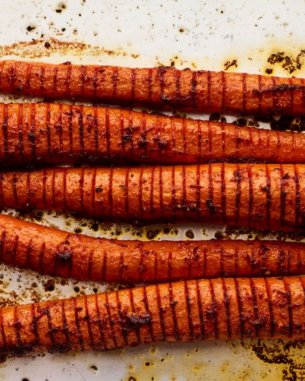 Hasselback Spicy Roasted Carrots