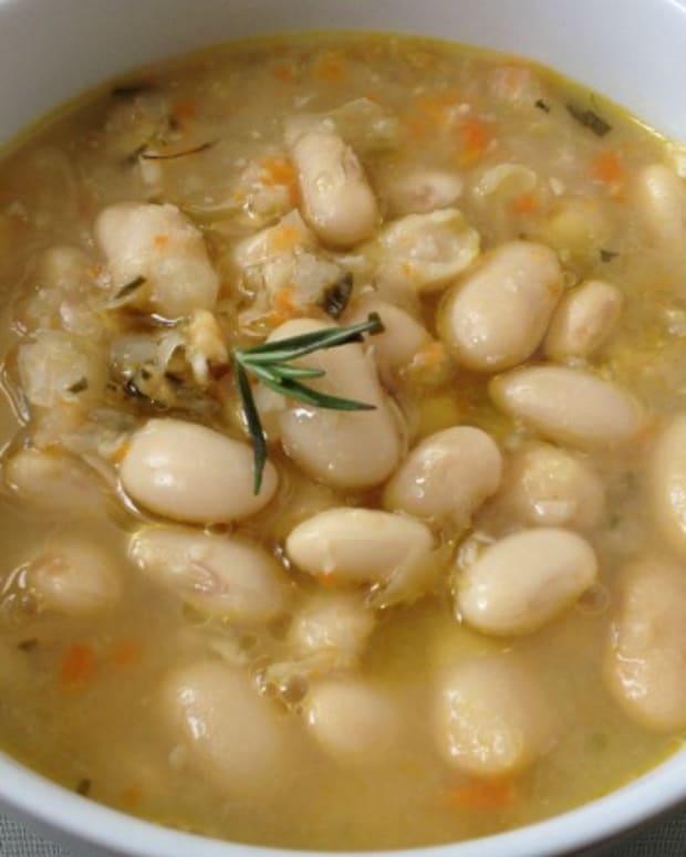 heirloom white bean soup