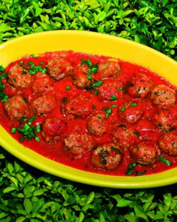 meatballs-poached-in-a-fresh-tomato-sauce