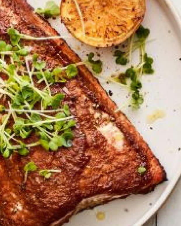 salmon-mole