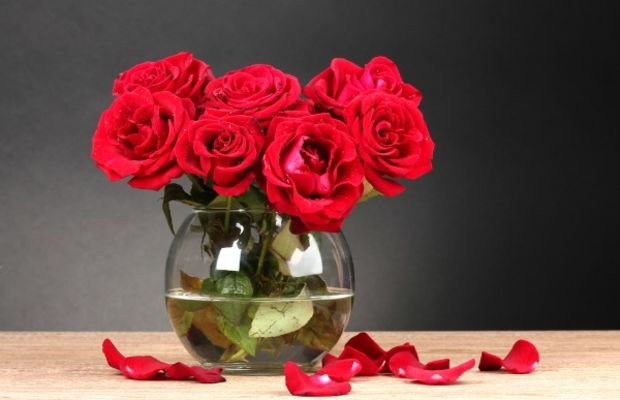 red roses centerpiece