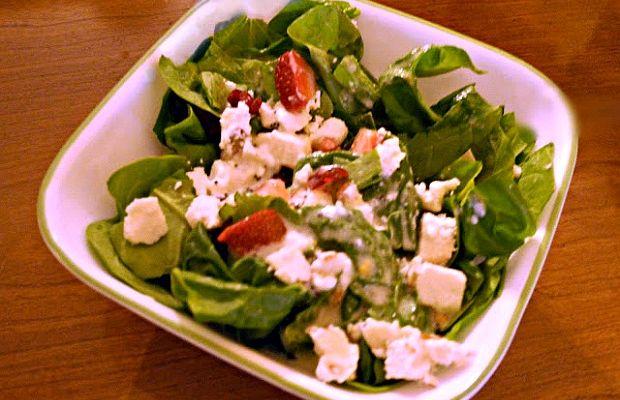 honey almond strawberry spinach salad