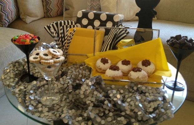 dessert table side