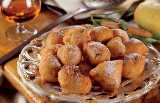 Fritters with Pine Nuts
