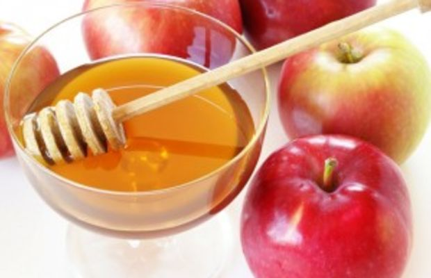 Honey-and-Rosh-Hashanah-–-How-Sweet-It-Is-300x202