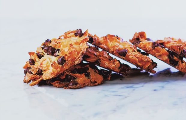 Passover Coconut Chocolate Chip Macaroons