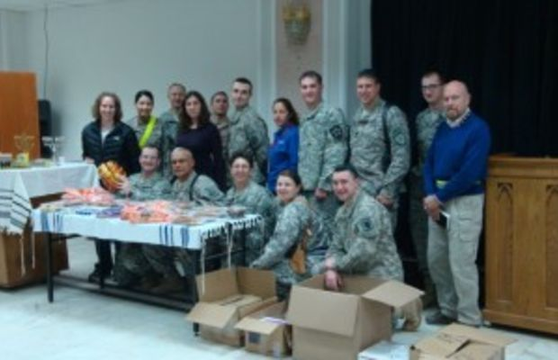 Kosher.com Sends Care Packages to Our Soldiers in Iraq