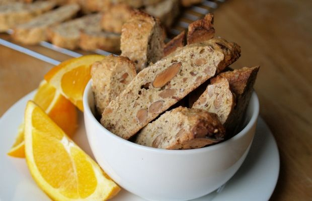 almond and orange cookies