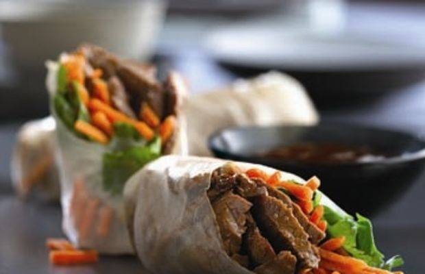 Beef_Spring_Rolls_with_Carrots_and_Cilantro