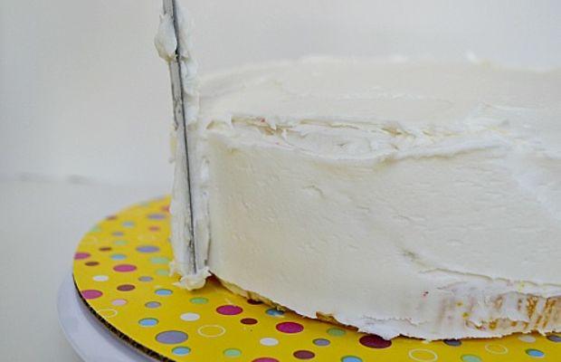 Superhero-Birthday-Cake-Buttercream-on-Cake-Offset-Spatula