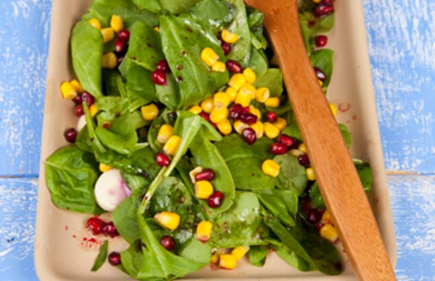 Spinach, Hearts of Palm and Pomegranate Salad