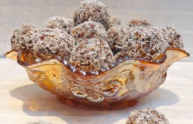 Fruit Filled Snack Balls