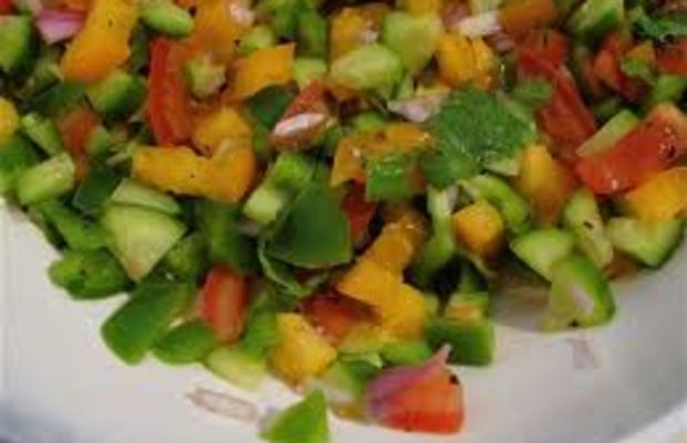 Israeli Pepper Tomato Salad