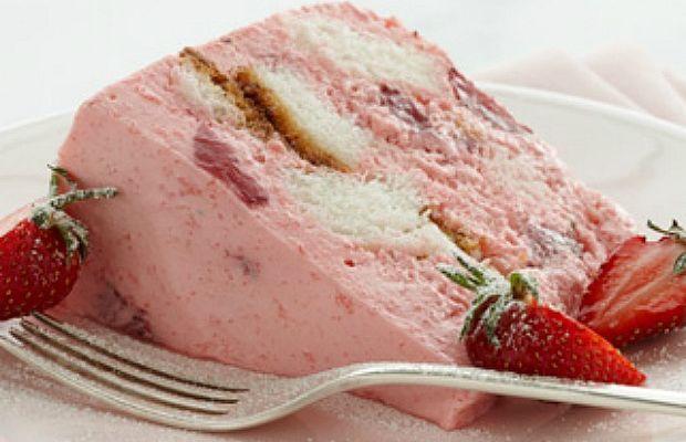 angel-food-cake-strawberry-bavarian