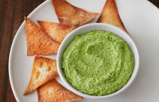 Wonton Chips with Edamame Dip