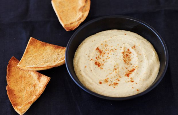 Roasted Garlic Hummus with Oven Baked Pita