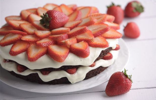 Summer Berry Chocolate Cake