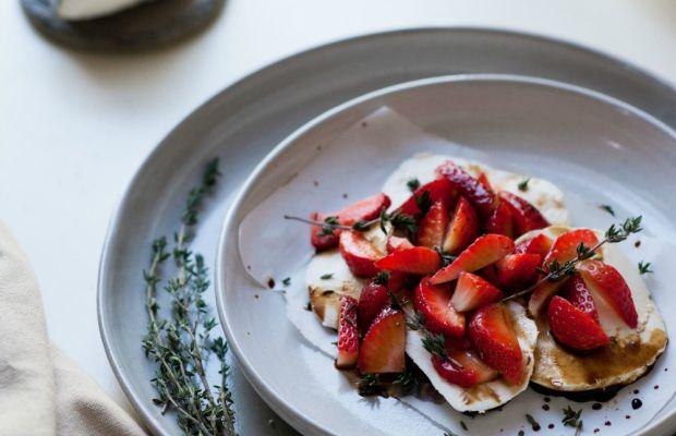 Strawbery Mozzarella with Thyme Balsamic Sauce1