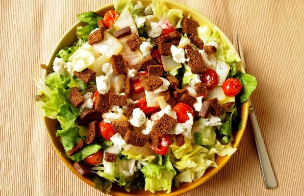 Salad with Pumpernickel Croutons