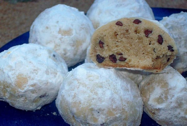 Bubbie's Russian Tea Cookies with Cacoa Nibs