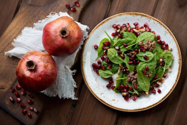 spinach salad with pomegranate.jpg