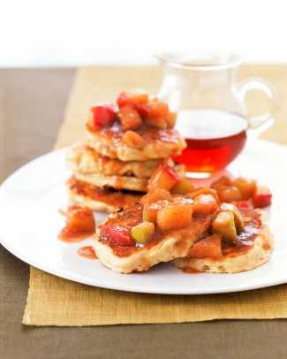 Apple-Pancakes-Maple-Sauce.jpg