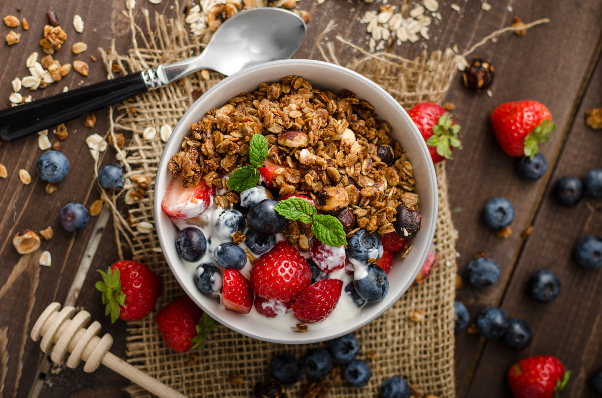 homemade low-fat granola