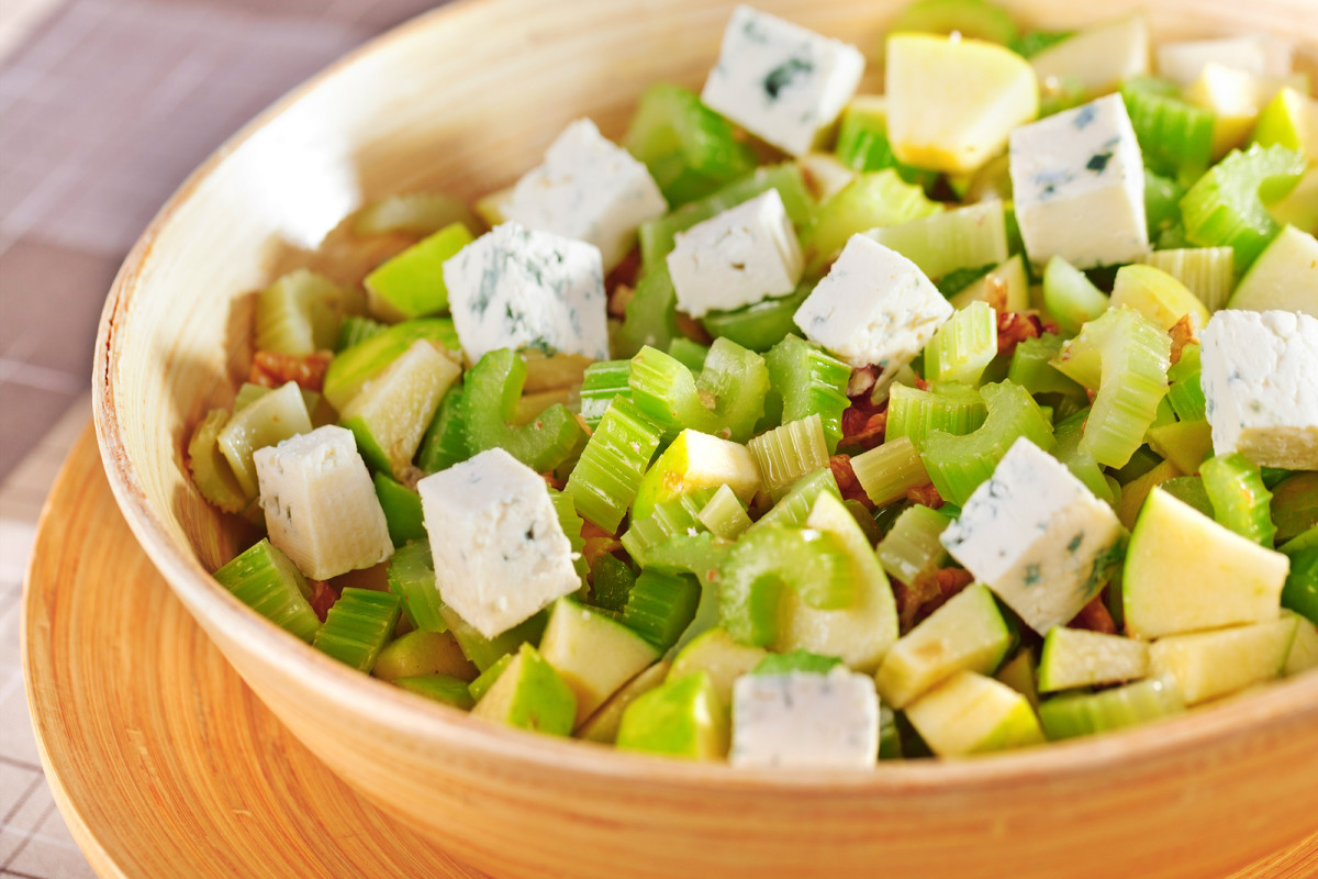 wladorf salad with blue cheese