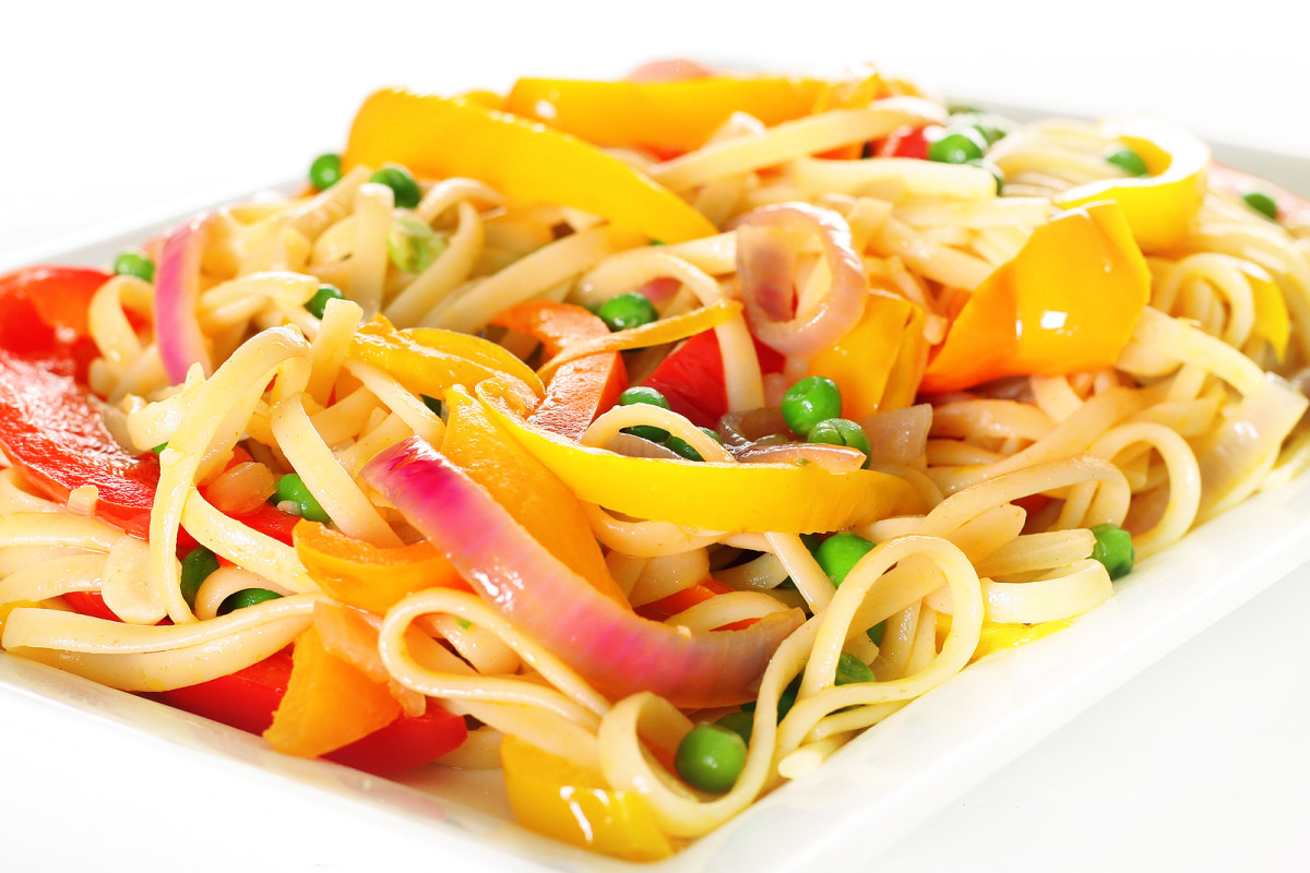 bell pepper and linguini salad