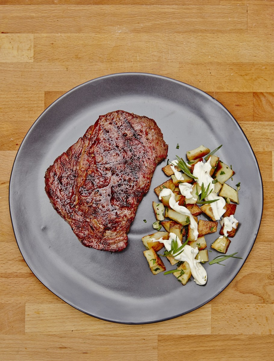 RIB-EYE STEAK WITH TARRAGON POTATOES