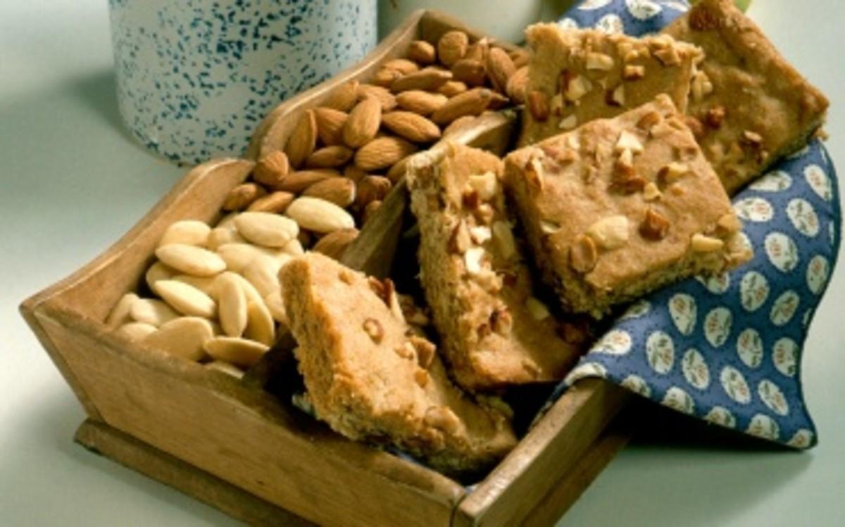 Almond banana bars