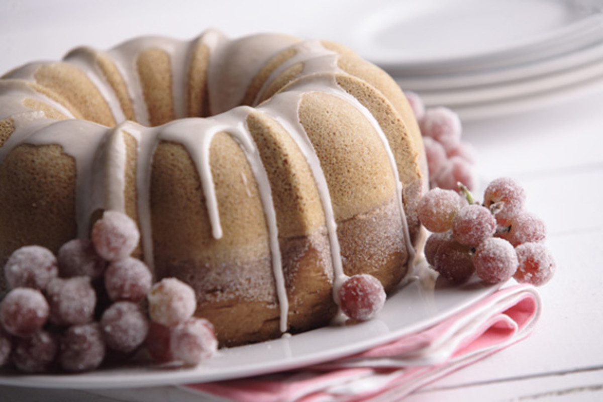 Sugar Dusted Wine Cake