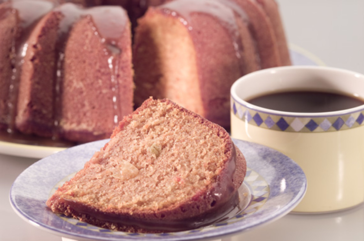 Apple Cinnamon Bundt Cake with Caramel Sauce - Joy of Kosher